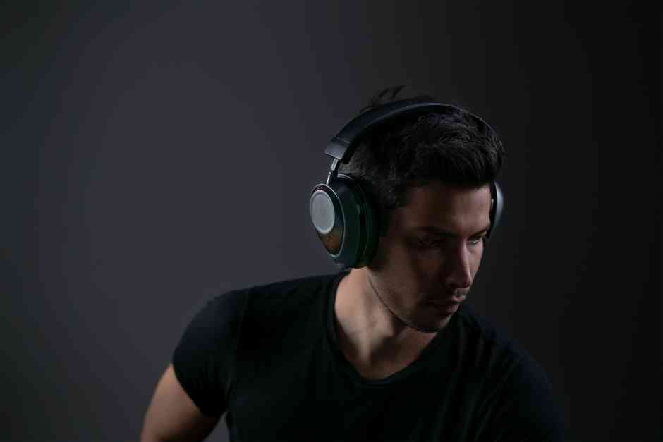 Graphene headphones