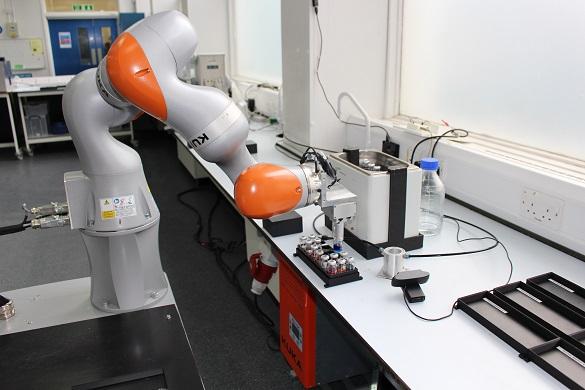 mobile robot scientist