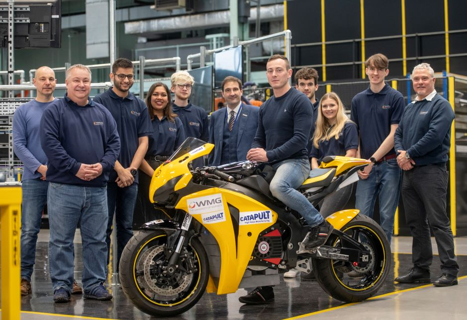 The design for Aurora, an electric superbike with a top speed of 160mph, has been unveiled by a group of students at Warwick University. The 25 studen
