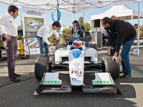 /t/o/a/Formulec_electric_racer.jpg