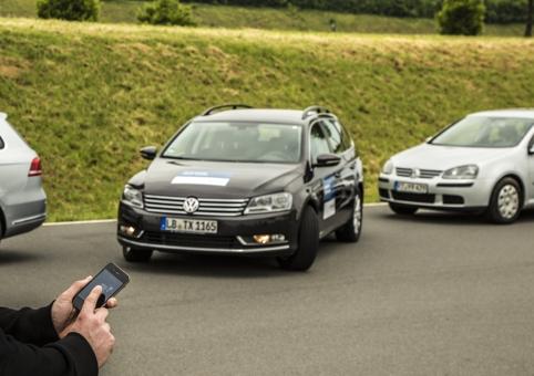 /u/r/x/Bosch_Parking.jpg