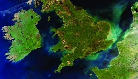 /m/x/b/A_rare_cloud_free_view_of_Ireland_Great_Britain_and_northern_France.jpg
