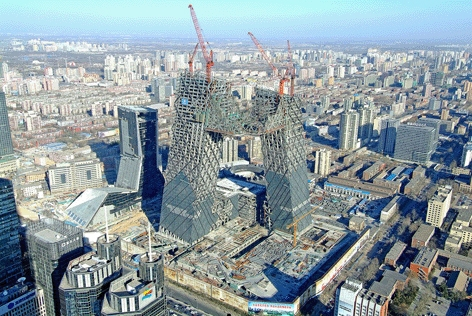 """The two leaning towers, 234m and 194m tall, linked together by a 15 storey cantilevered """"overhang"""" and a 10 storey podium, posed significant structural challenges, compounded by the location in a highly seismic area. The response was to brace the facade o"""