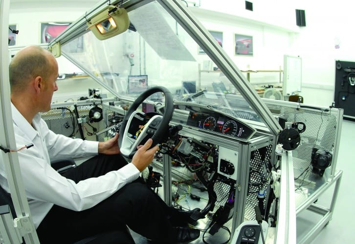 /w/a/b/MG_engineer_automotive.jpg