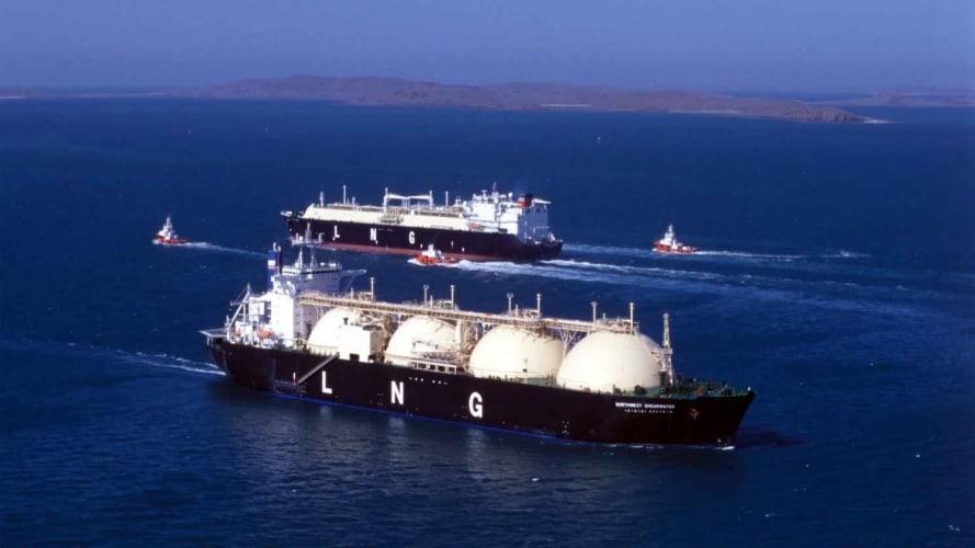 /q/o/e/tanker.jpg