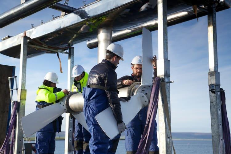 Magellane's ATIR turbine being installed at teh EMEC site