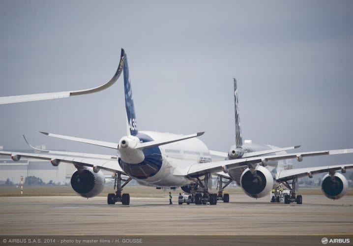 /c/v/a/Airbus_A350XWB_Formation_Flight___Preparation___05.jpg