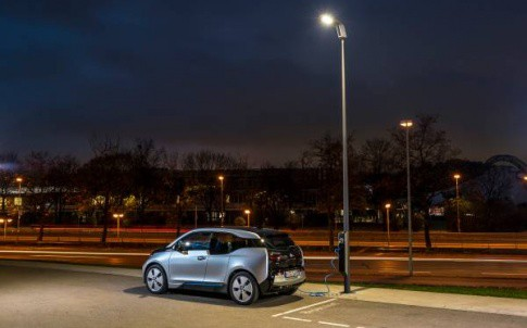 The streetlights have a modular LED design, which can be adjusted for different road types.