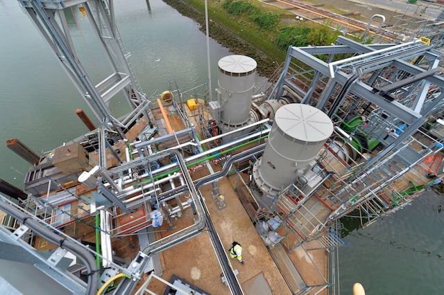 Pernis refines crude oil into a range of products, including petrol and diesel: each year it processes around 20 million tons of crude oil