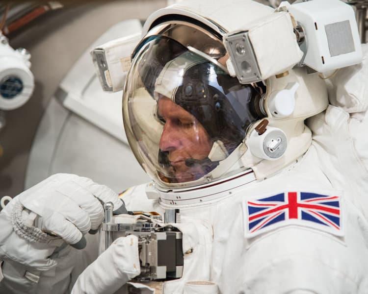 PHOTO DATE: 06-16-15 LOCATION: Bldg. 7 - SSATA Chamber SUBJECT: Expedition 46/47 crew member and ESA astronaut Tim Peake during SSATA Chamber dry run. PHOTOGRAPHER: BILL STAFFORD