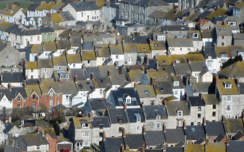 Terraced Portland Stone houses (Mark Murphy, source Wikimedia Commons)