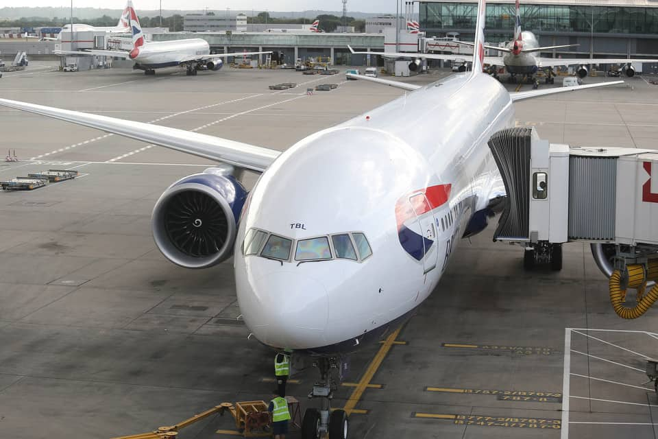 britishairways_777_boarding