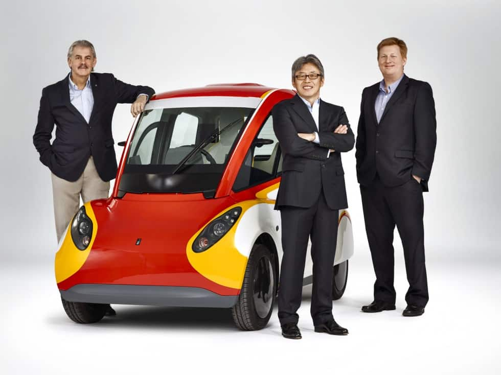 Gordon Murray, Shell Concept Car, Hidehito Ikebe and Bob Mainwaring *DO NOT USE FOR ADVERTISING PURPOSES, STRICTLY BTL USEAGE ONLY, UNLESS AGREED WITH SHELL PHOTOGRAPHIC SERVICES AND PHOTOGRAPHER* Please credit Shell/Justin Leighton