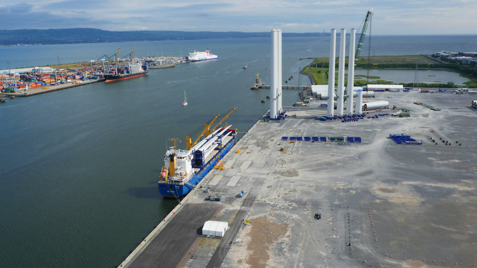 First ever UK built offshore wind turbine blades arrive at Belfast Harbour