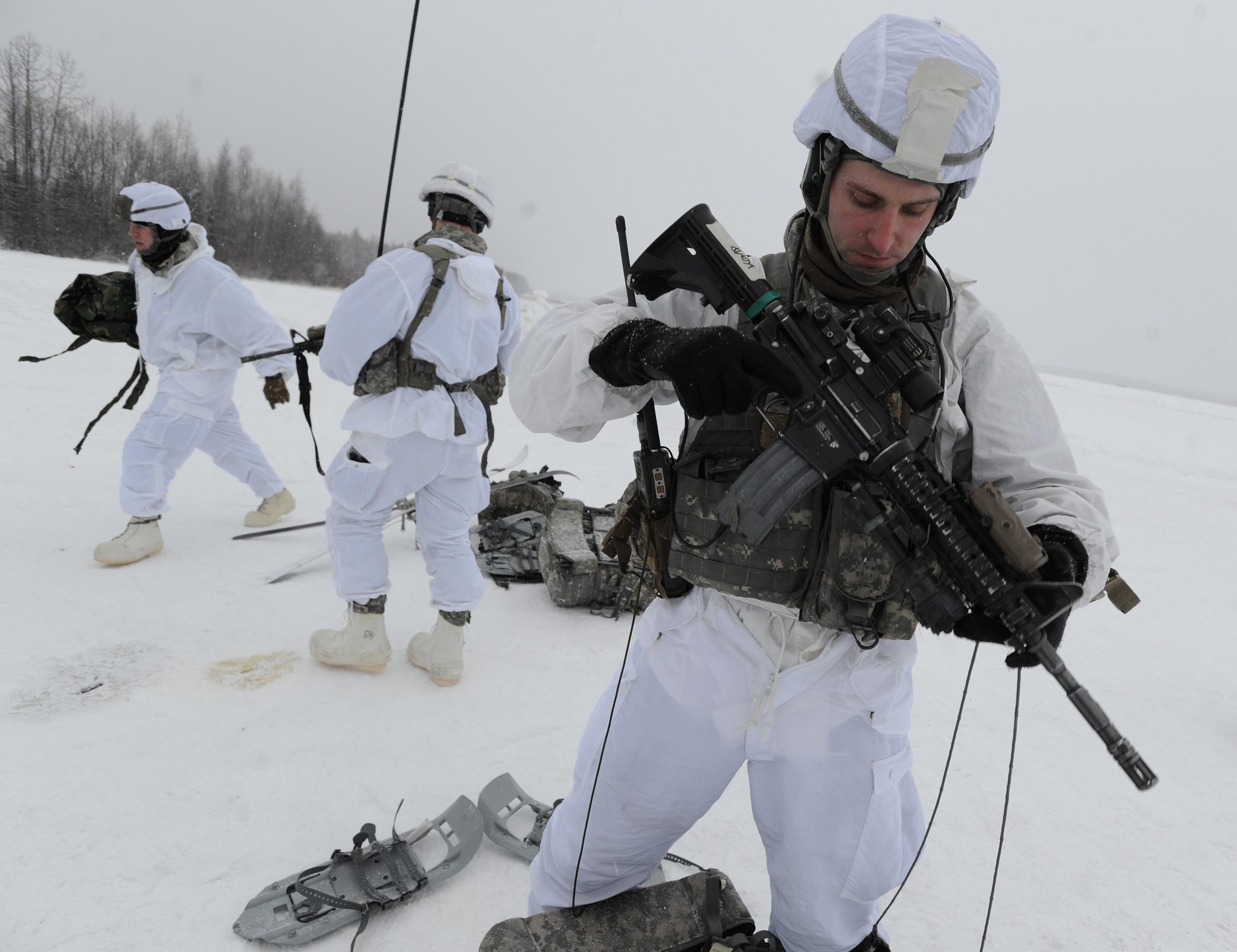 US paras cold climate combat