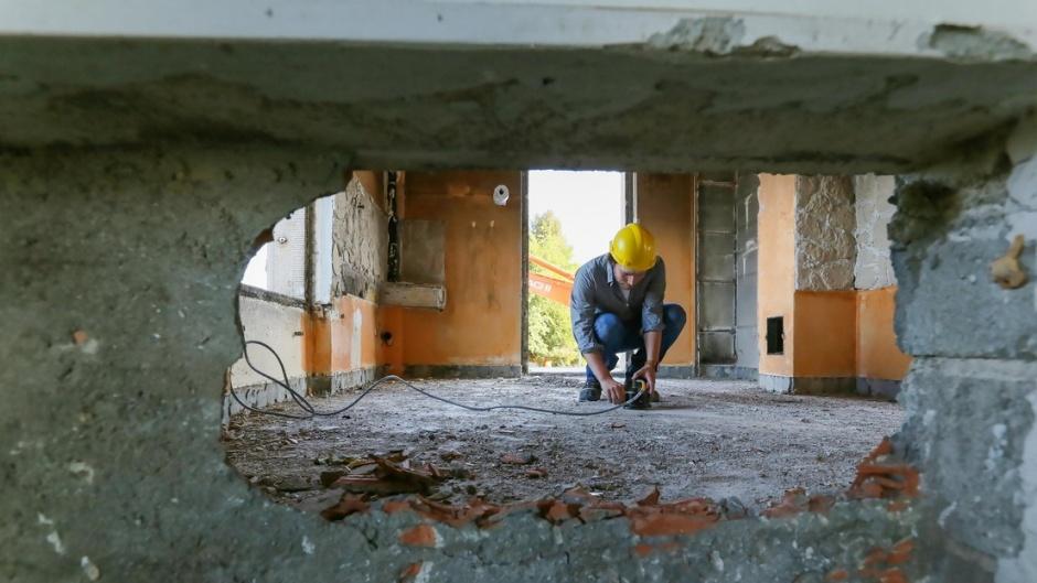 earthquake safety tool
